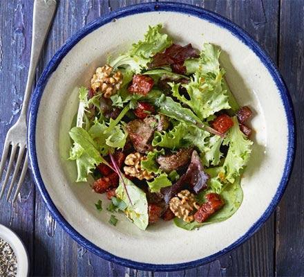 Salată caldă de ficaţei