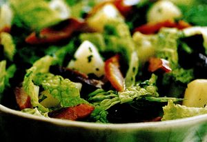 Salata cu hering afumat