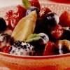 Salata_de_banane_si_fructe_de_padure