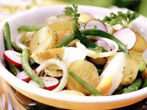 Salată de primăvară cu ouă