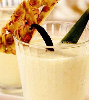Smoothie de ananas, iaurt şi vanilie