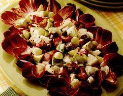 Salată cu mere şi curmale