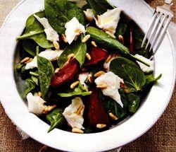 Salata cu spanac, mozzarella si muguri de pin