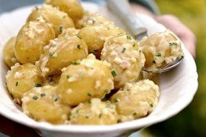 Salata de cartofi cu mustar