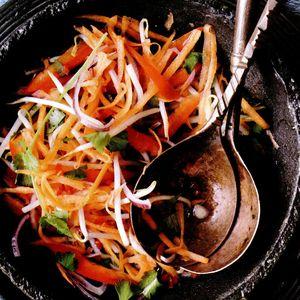Salată de morcovi thailandeză