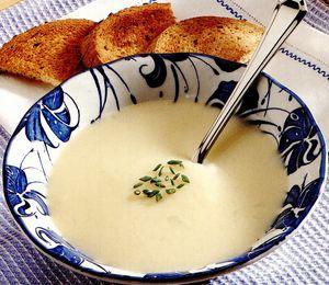 Supă cremă de praz şi cartofi