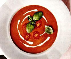 Supa crema de rosii cu smantana si busuioc