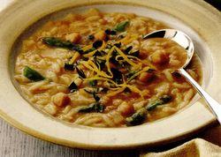 Supă de năut cu sparanghel