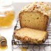 Prăjitură_cu_miere_şi_topping_de_migdale