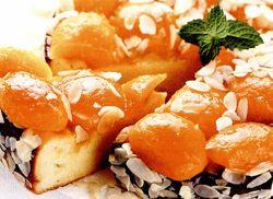 Prăjitură cremoasa cu caise
