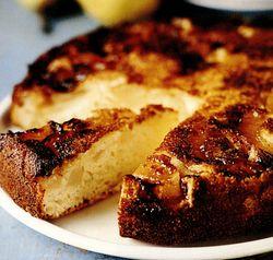 Prăjitură răsturnată cu ghimbir şi pere