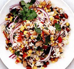 Salata de orez salbatic si mix de fasole