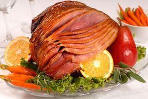 Ceafa de porc cu ceapa, pere si portocale