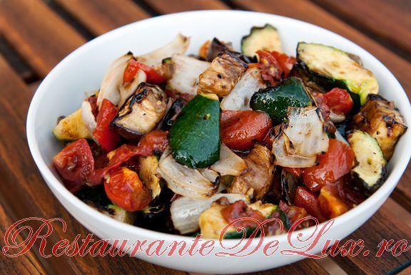 Reteta zilei: Salata de legume la gratar