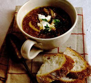 Supă de ceapă coaptă cu brânză de capră