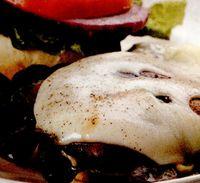 Ciuperci cu brânză Feta la gratar