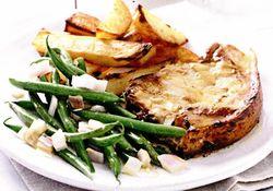 Cotlete de porc cu mustar si cartofi