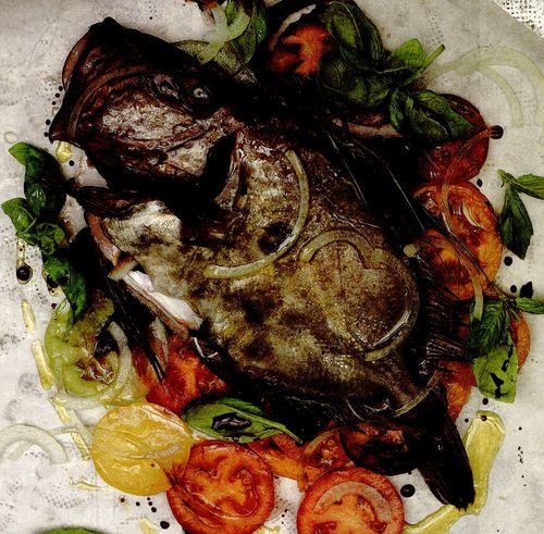 Peşte copt în pungă, cu roşii si otet balsamic