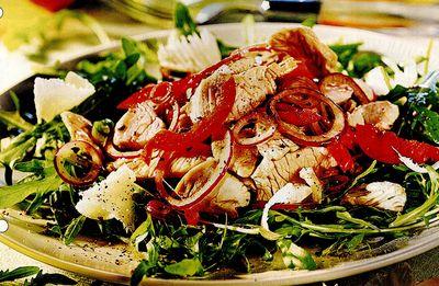 Salata de rucola cu file de pui