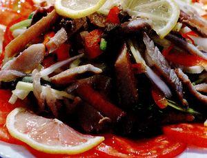 Salata de vara cu pastrav afumat