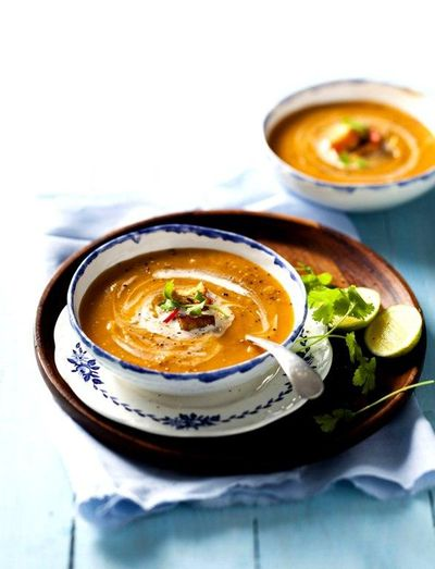Supa de cartofi dulci si nuca de cocos