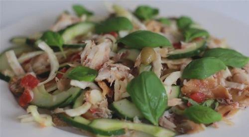 Cum se prepara Salata de macrou (video)