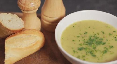 Cum se prepara Supa crema de cartofi (video)