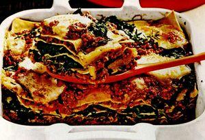 Lasagna cu spanac şi carne tocată