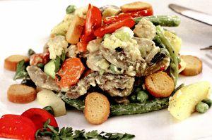 Salată de vară cu piept de pui
