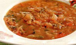 Supă de varză cu sfeclă rosie si cartofi