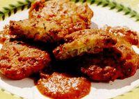 Retete de post: Chiftele din ceapa cu sos de rosii