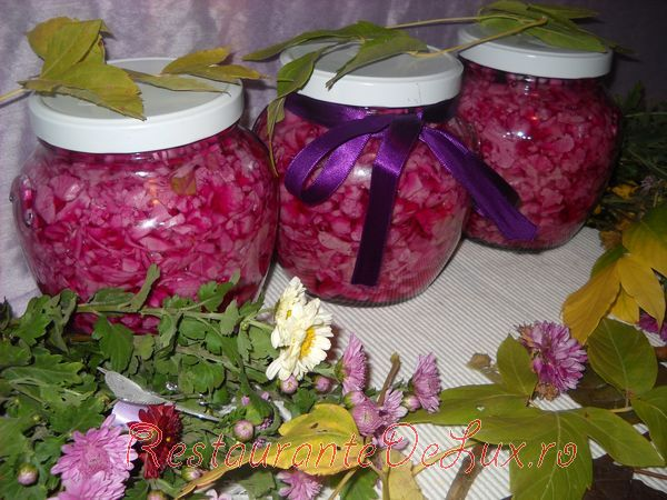 Reteta zilei: Conopida cu varza rosie pentru iarna