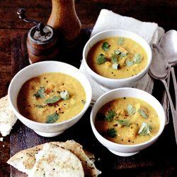 Supă de dovleac, linte şi lapte de cocos