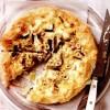 Tarta_cu_brânza_de_capra_ceapa_verde_si_alune_de_padure