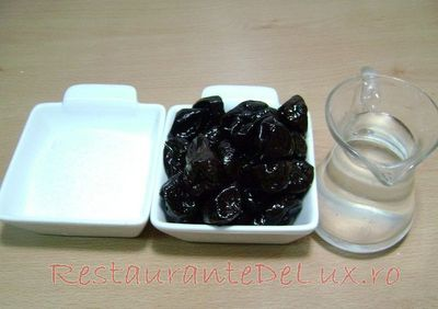 Reteta mancare de prune uscate