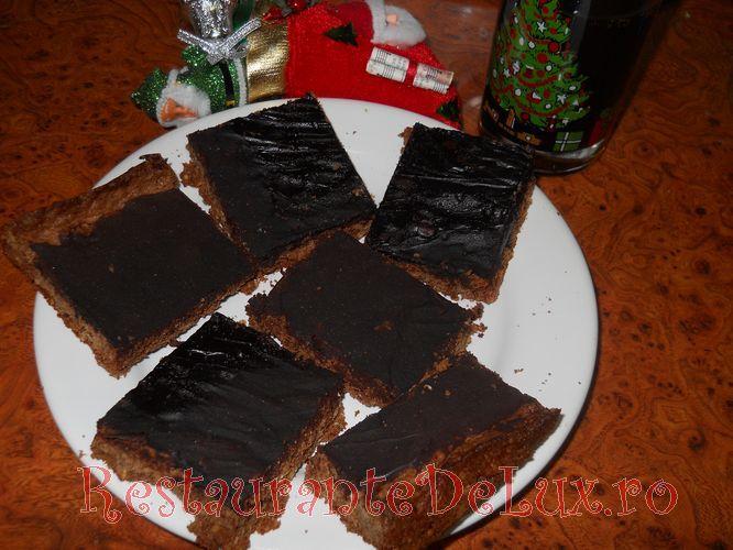 Negresa_cu_alune_si_glazura_de_ciocolata_19