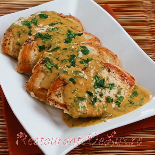 Piept_de_pui_cu_coriandru_si_sos_de_curry_thailandez_10