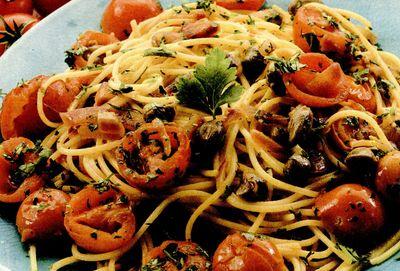 Spaghete cu rosii si capere