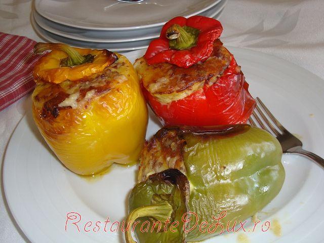 Ardei_umpluti_cu_carne_tocata_si_cartofi_07