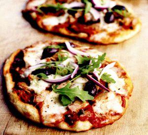 Pizza de casa cu ton
