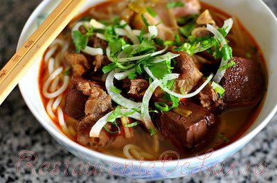 Supa_vietnameza_cu_porc_si_vita_10