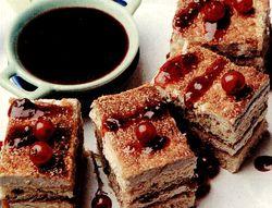 Prajitura cu crema de fructe de padure si ciocolata