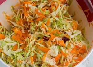 Salata de varza rosie si morcovi cu maioneza de nuci caju