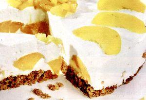 Tort de piersici cu crema de iaurt si branza de vaci