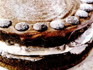 Tort_Amaretto_cu_spuma_alba