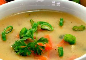 Supa de mazare cu crenvursti