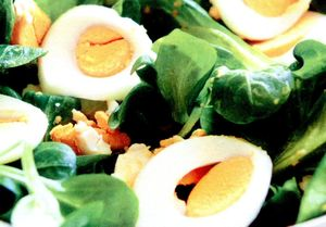 Salata_delicioasa_de_spanac_cu_oua
