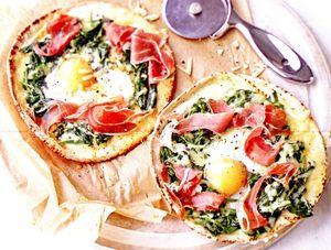 Pizza_cu_spanac_si_prosciutto