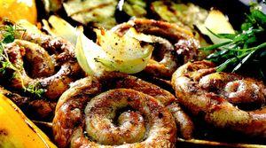 Carnaciori_la_gratar_cu_legume_fripte