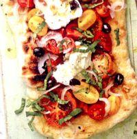 Pizza_cu_rosi_ mozzarella_si_busuioc